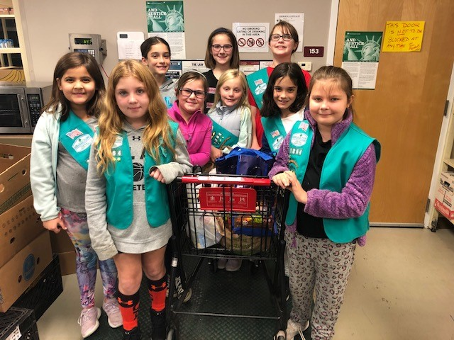Girl Scouts Lend Talents to the Pantry